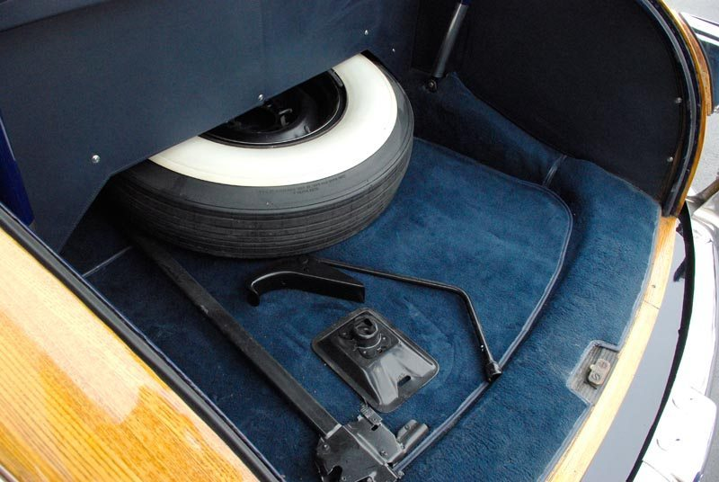 1948 Chrysler Town and Country Trunk and Spare