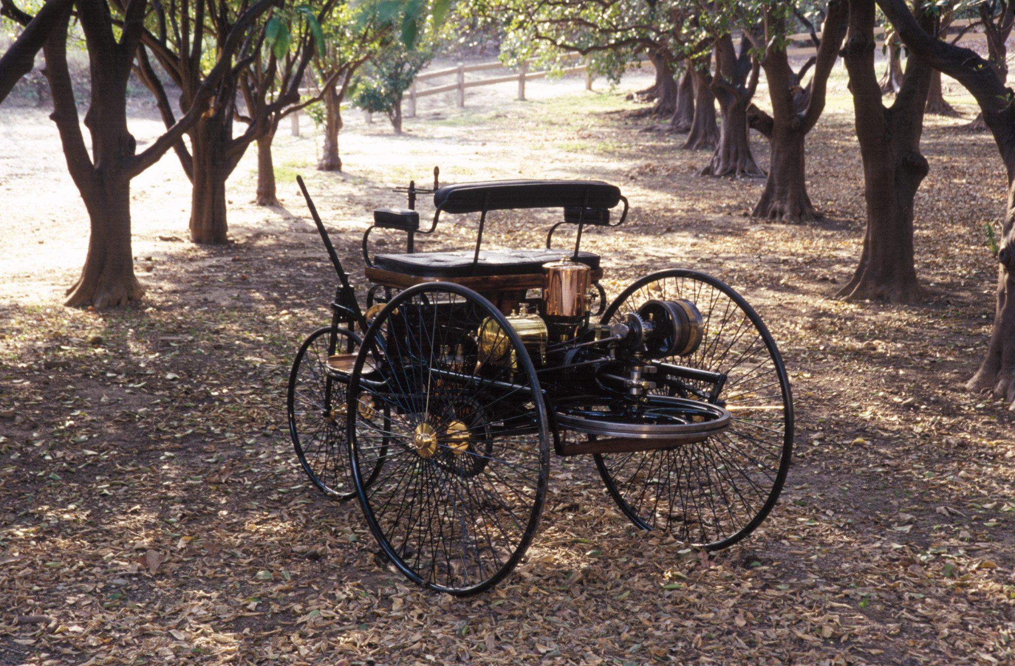 1886 Benz Patent Motorwagen rear end