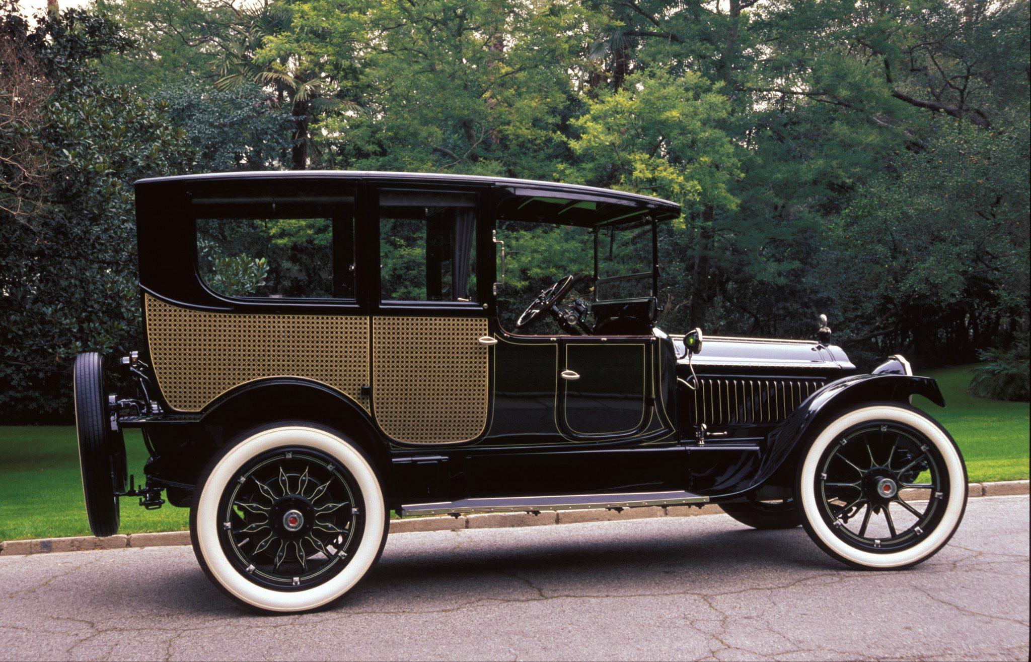 1916 Packard Twin-Six Town Car