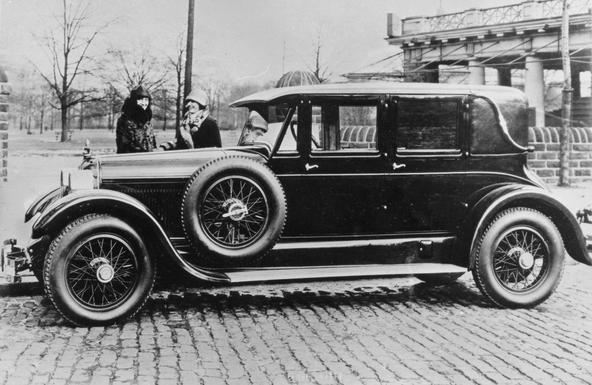 One of the more unusual body designs for the Duesenberg chassis was this limousine built by the firm of Charles Schutte in 1922. The interior featured upholstered furniture with wooden armrests. It truly was a living room on wheels.