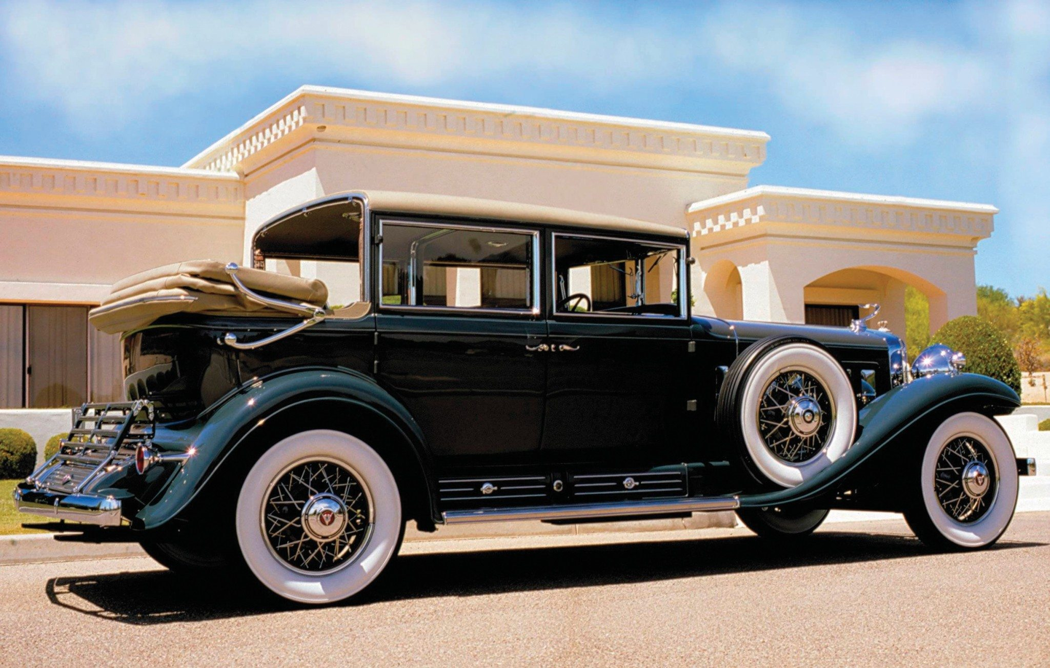 1930 V16 Madam X Imperial Landau Sedan Side View
