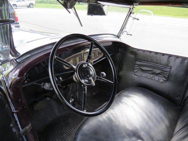 1931 Buick pic 4 interior