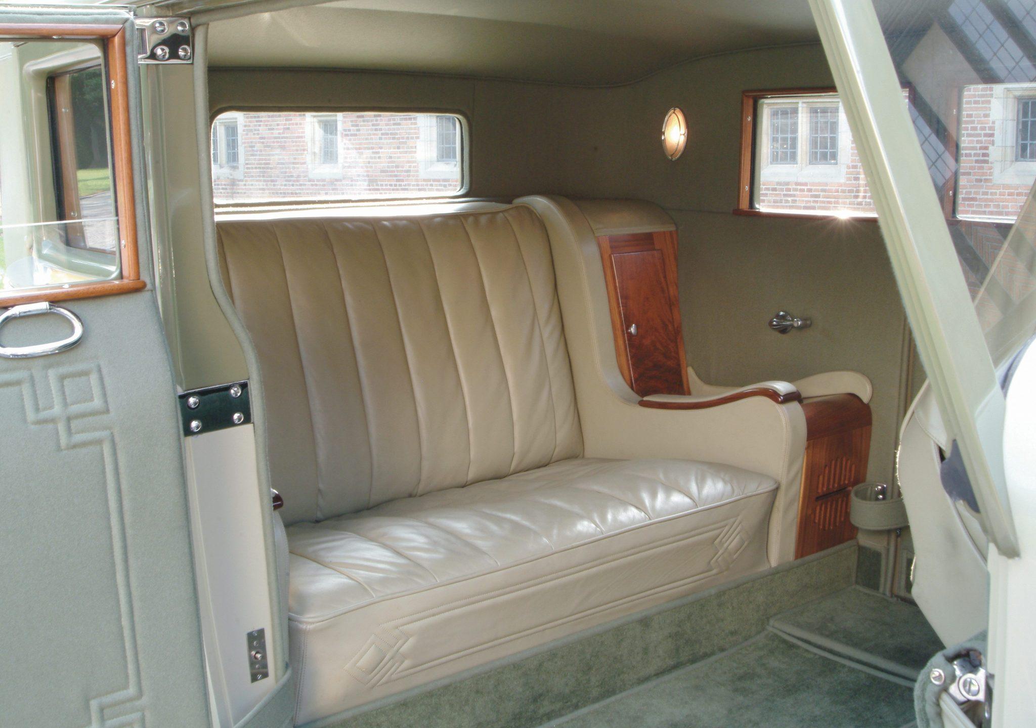1932 Duesenberg Model J Victoria Coupe Interior and Radio