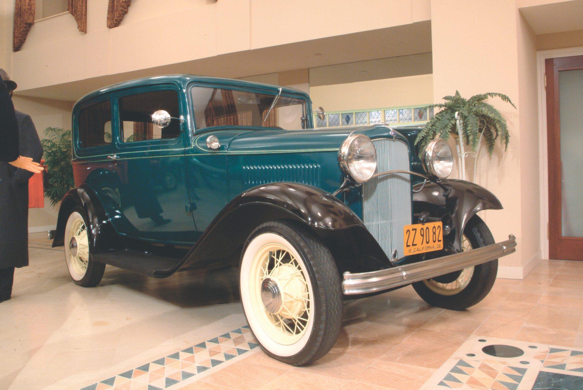 1932 ford four-cylinder Model B