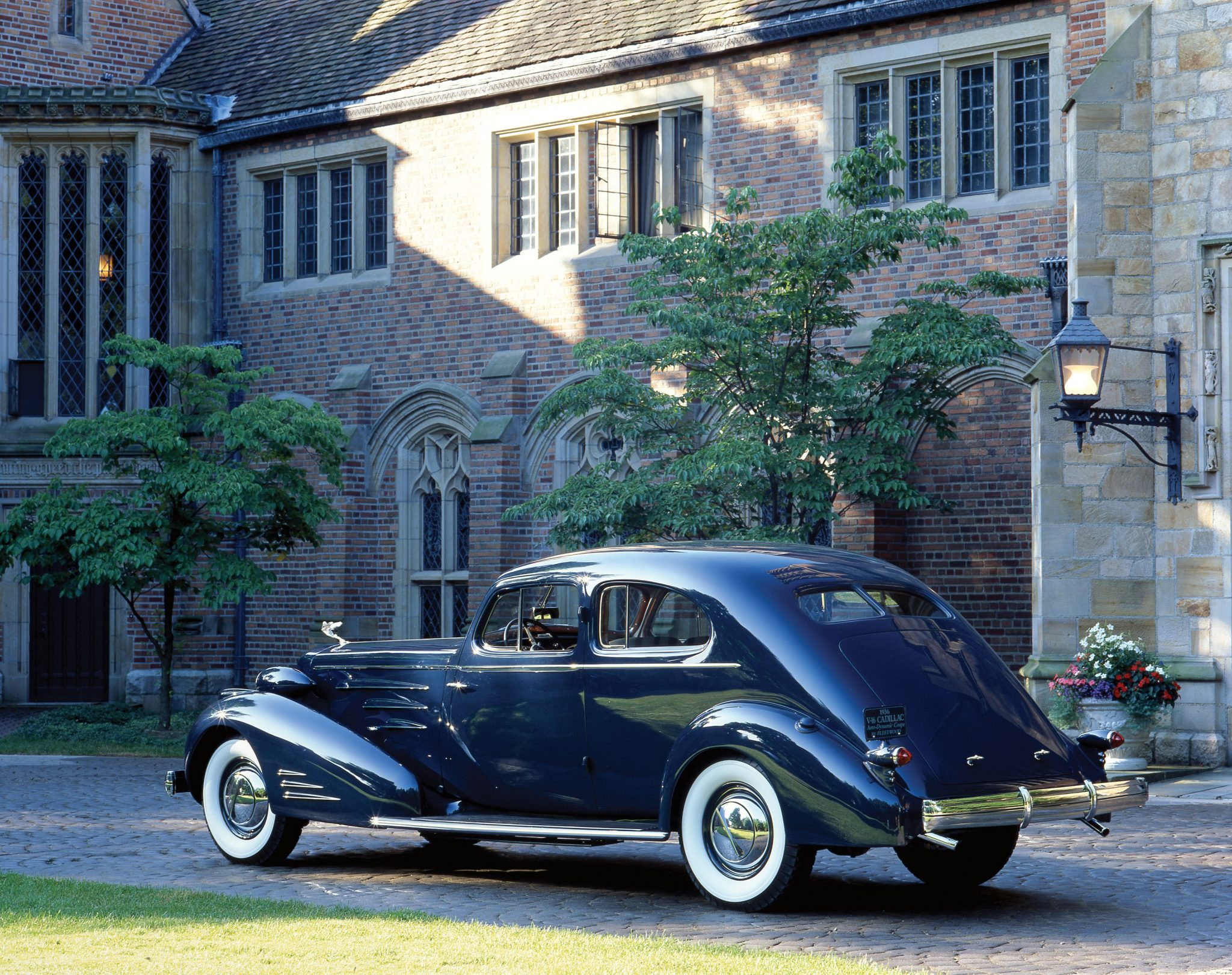 1933 Cadillac V16 Aero-Dynamic Coupe Side and Rear