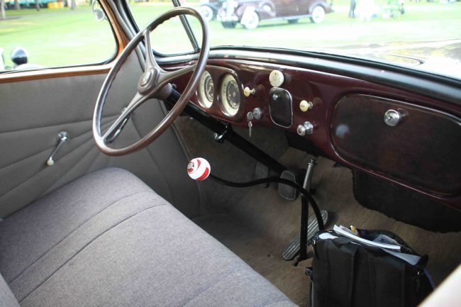 1935 Hupmobile Aero 3 interior