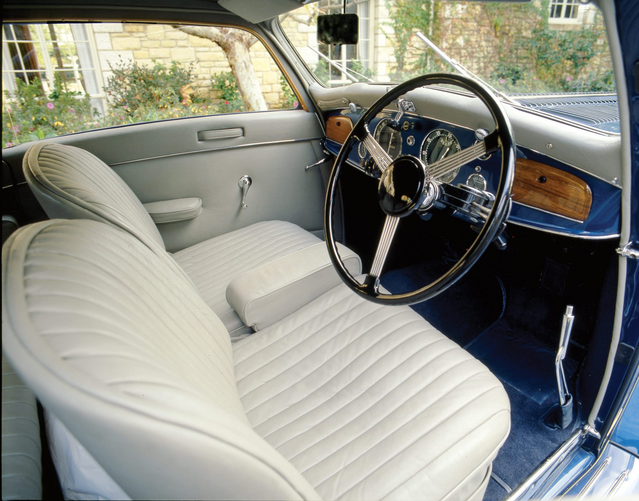 1938 Delage D8 120 Aerodynamic Coupe Interior