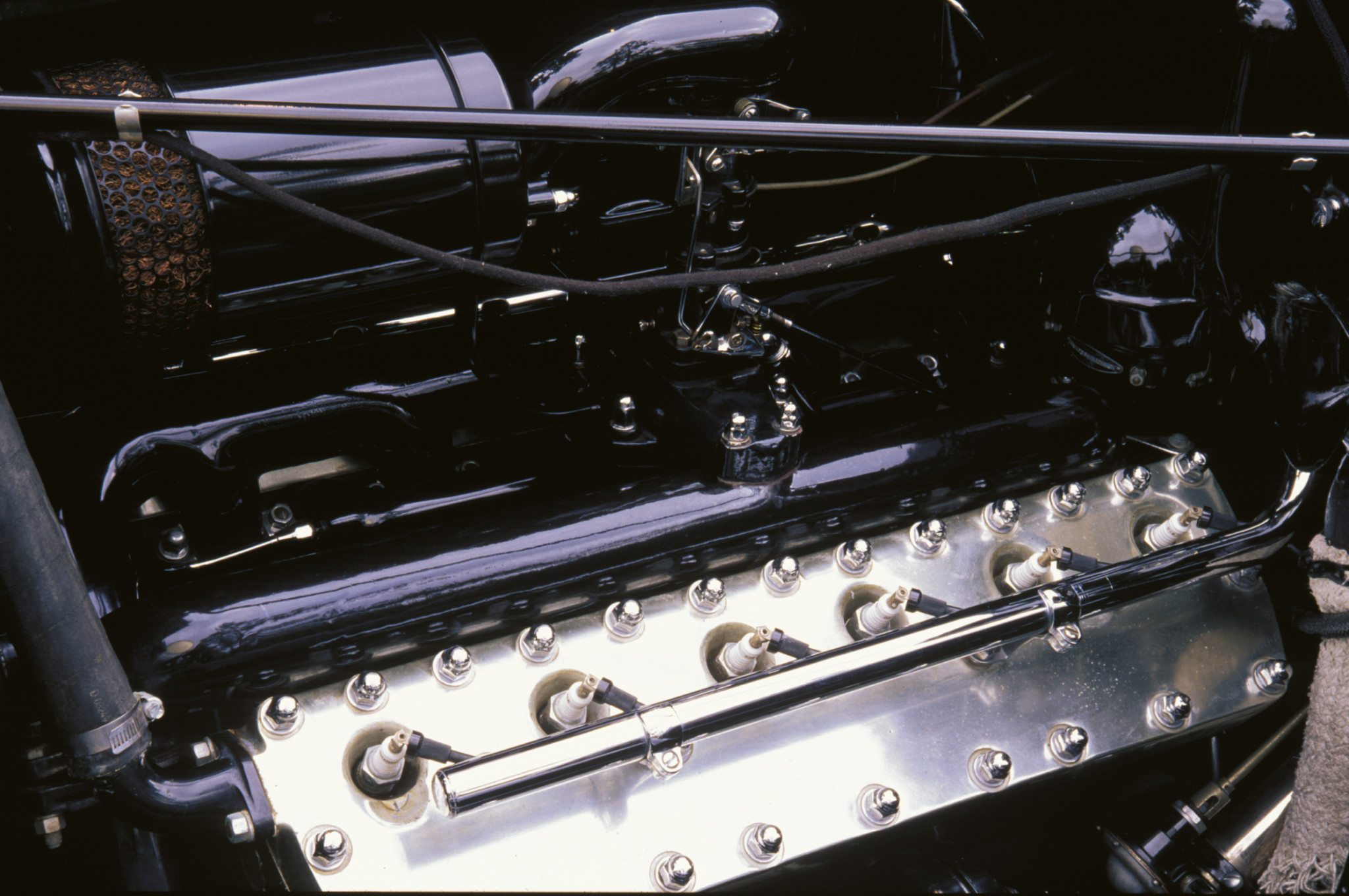 Cylinder Wars – The Race to Develop an American V16 Engine