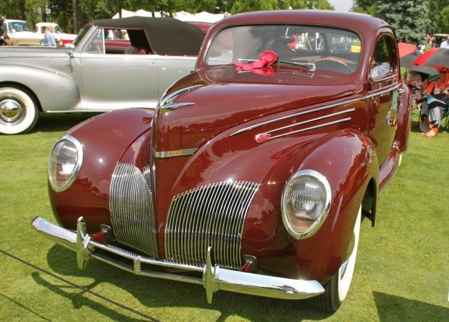 1939 Lincoln Zephyr V-12 Coupe pic