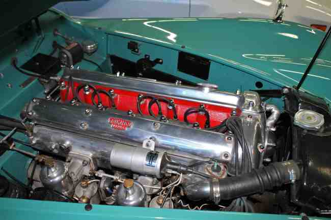 1956 Jaguar XK 140 pic 3 engine