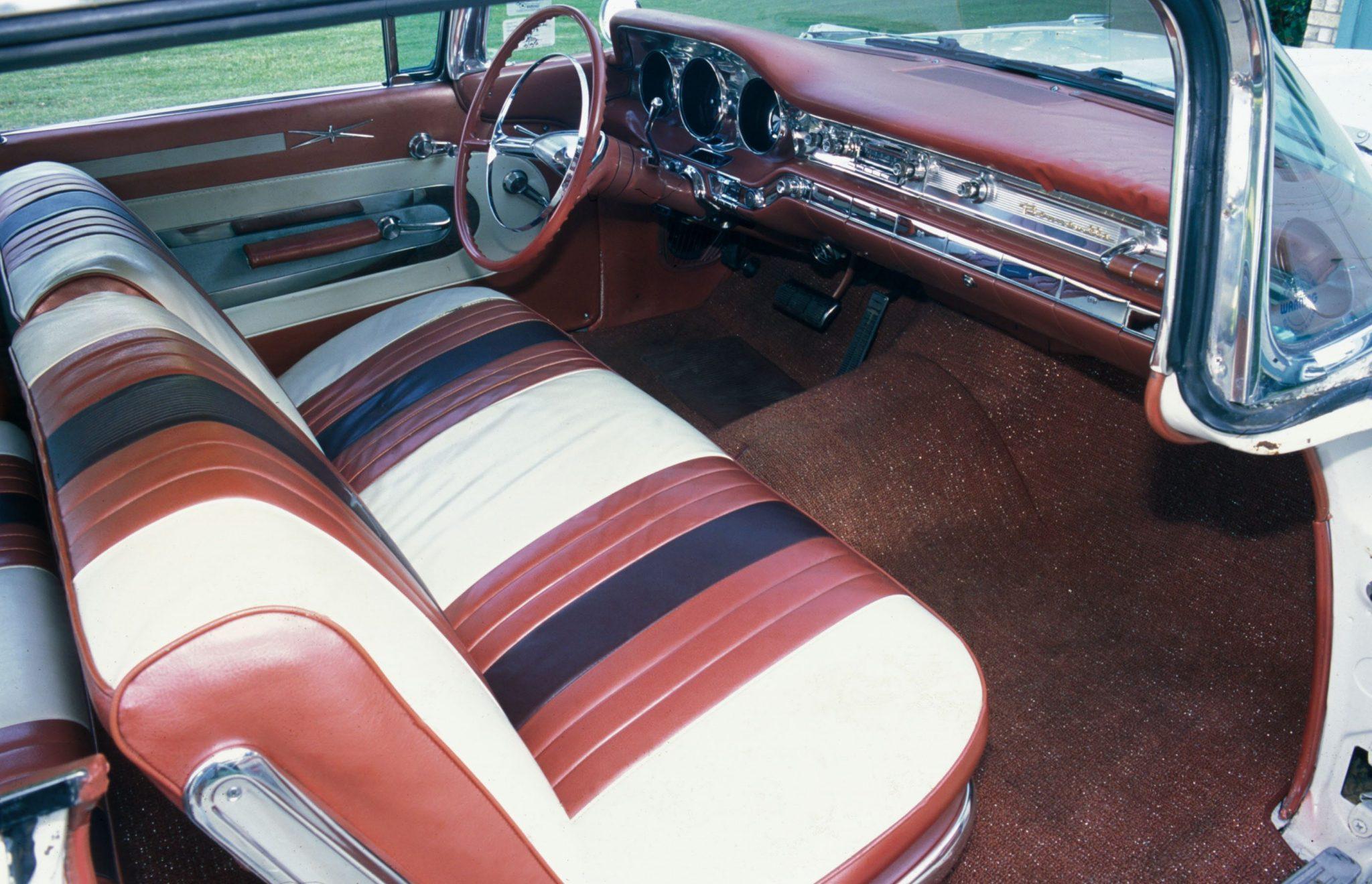 1959 Pontiac Bonneville Tri-Tone Interior