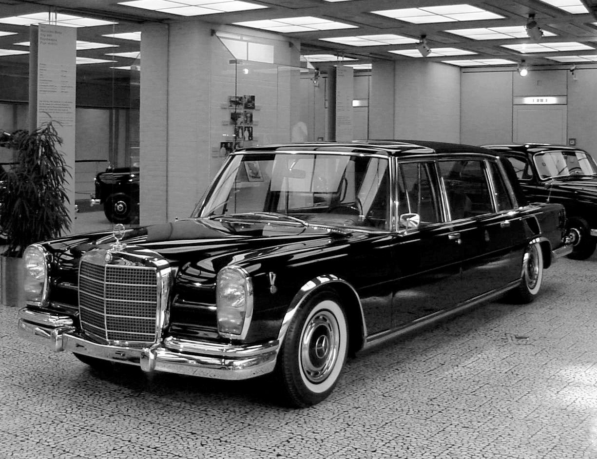 1966 Mercedes-Benz 600 Pullman Landaulet for the Pope