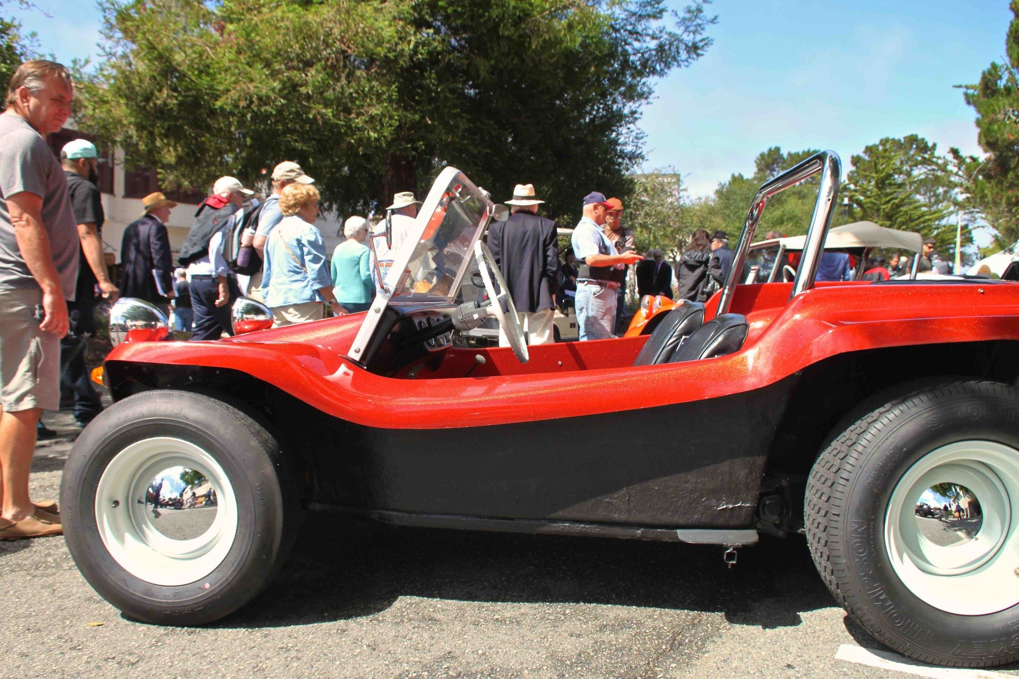 Bruce F Meyers Built His First Dune Buggy Starting In Late 1963 Using A Shortened Volkswagen Beetle Floor Pan Fibergl Shell Of Body
