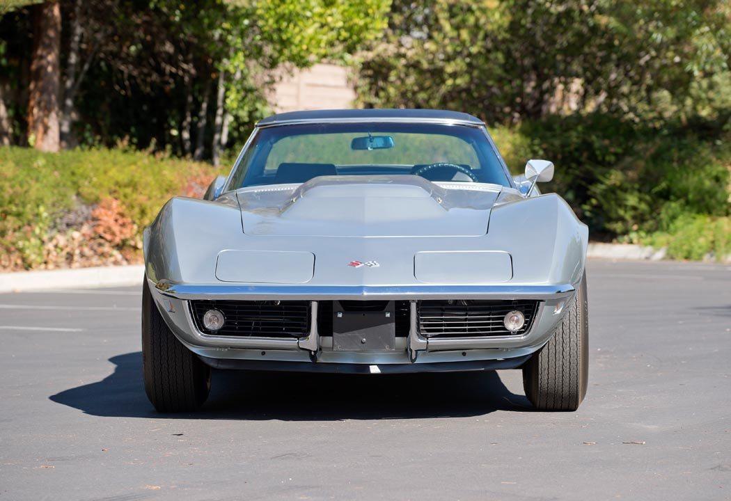 Silver 1969 Corvette front view