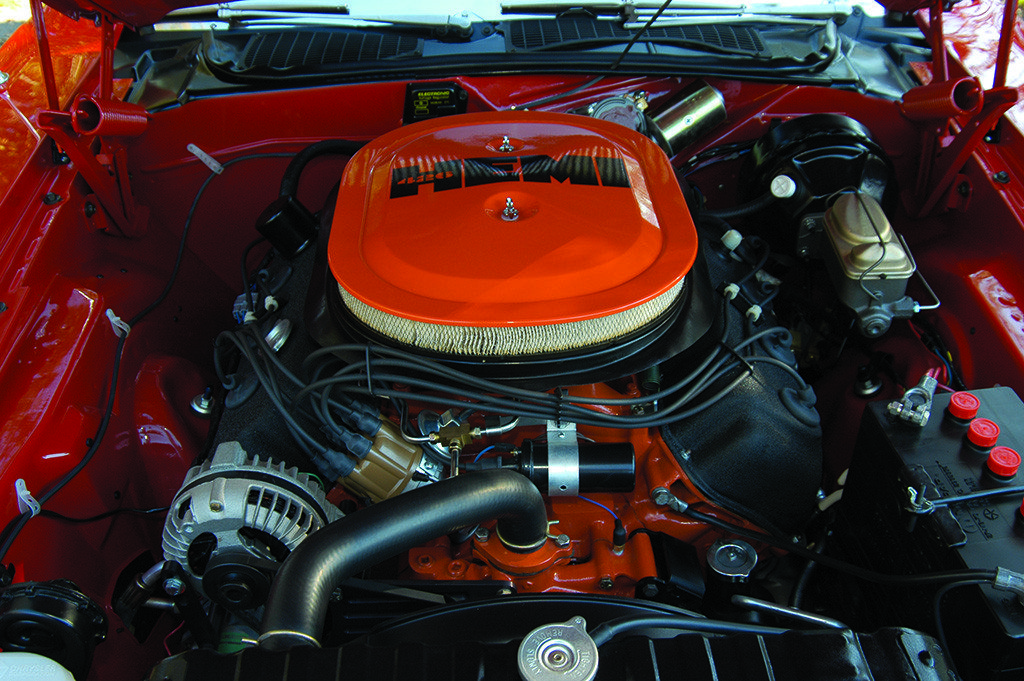 1970 Dodge Hemi Challenger 426 cu in Engine