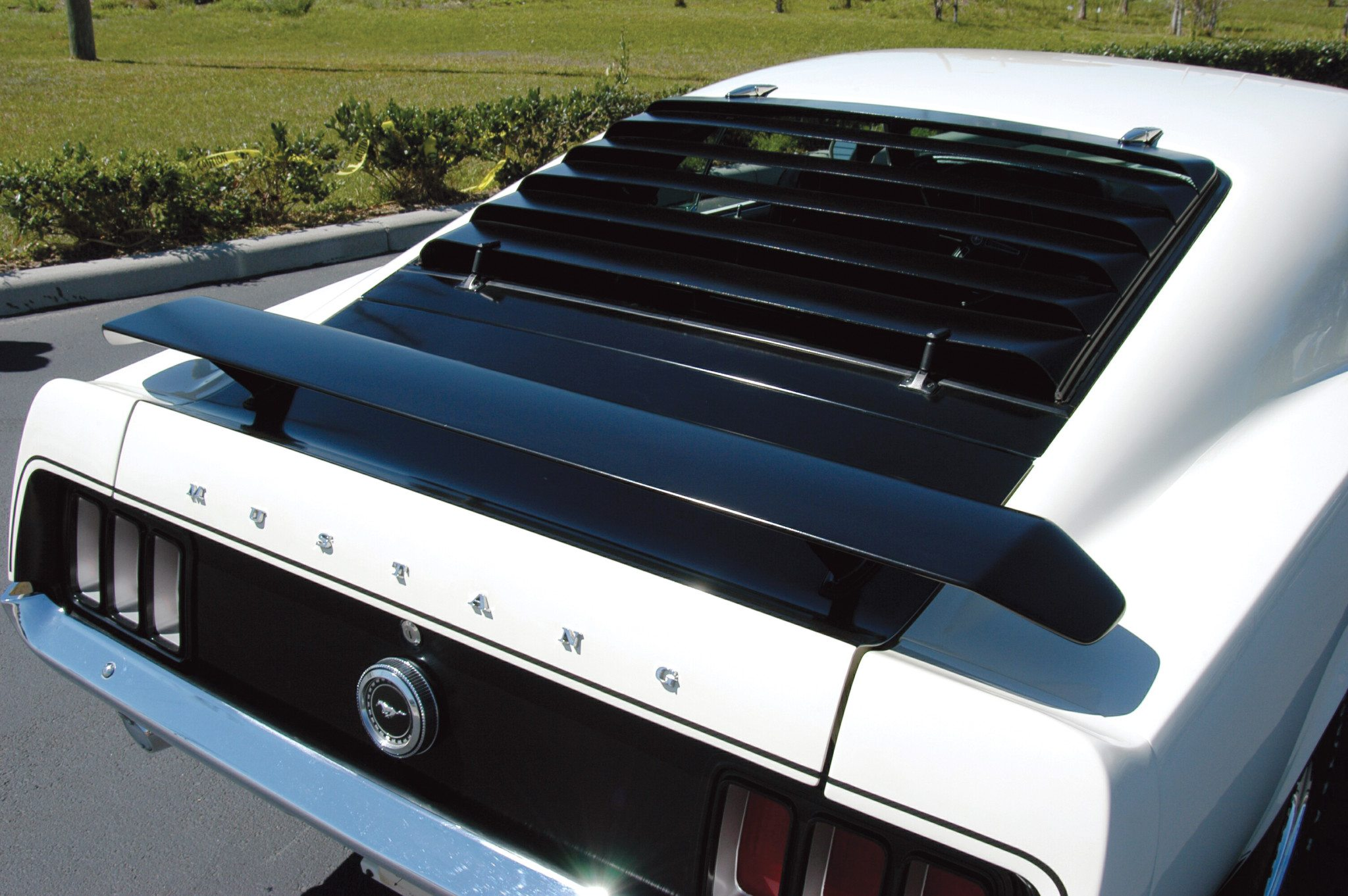 Ford 39 s boss 302 boss 429 mustangs heacock classic for 1970 mustang rear window louvers