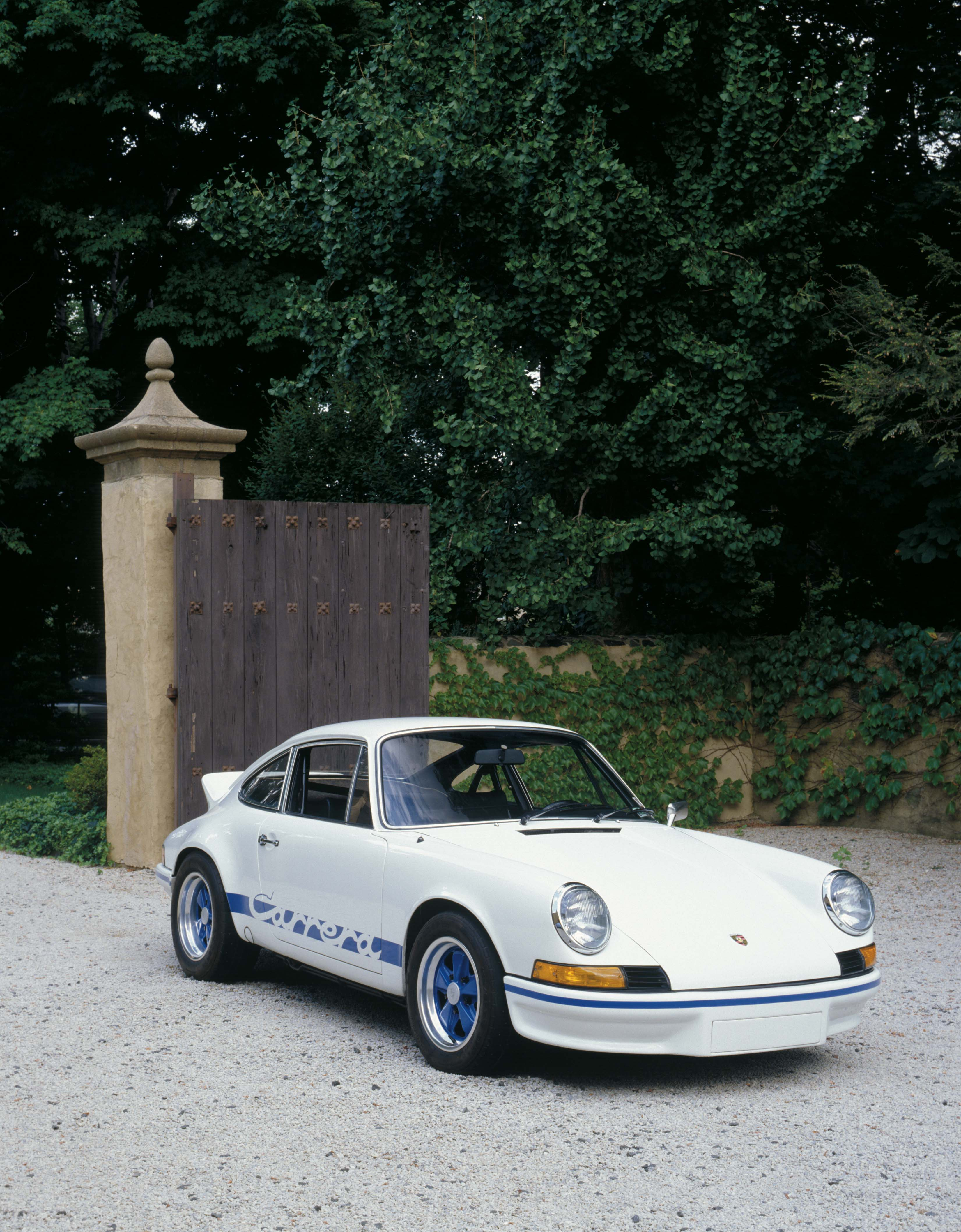 1973-porsche-carrera-rs-2-7-front-view