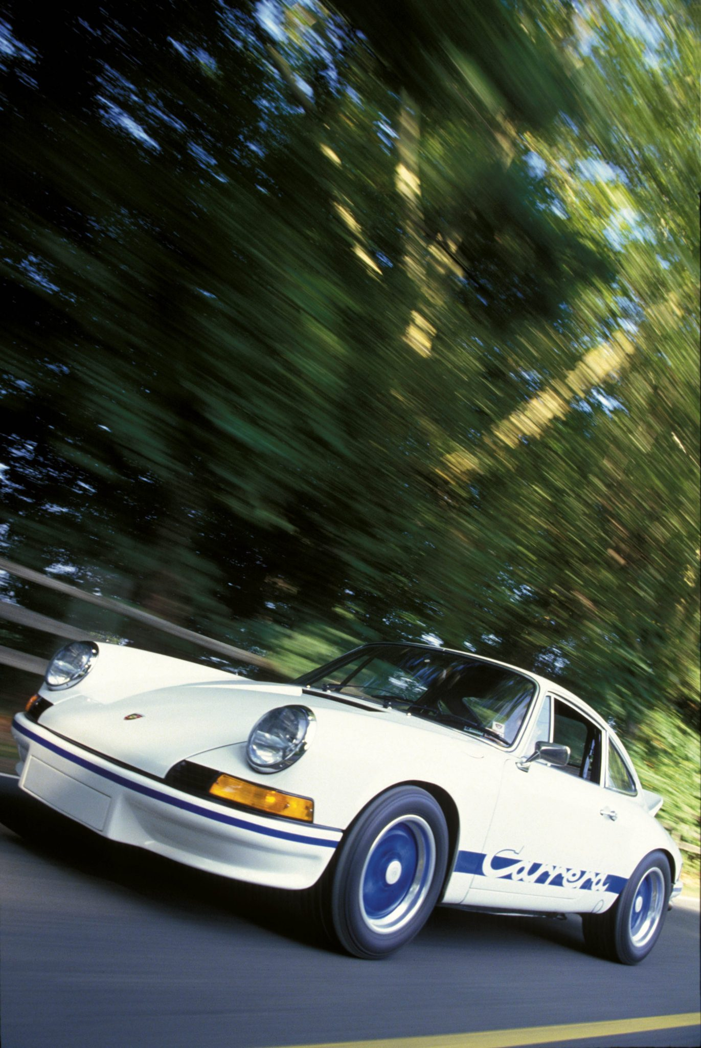 1973-porsche-carrera-rs-2-7-at-speed