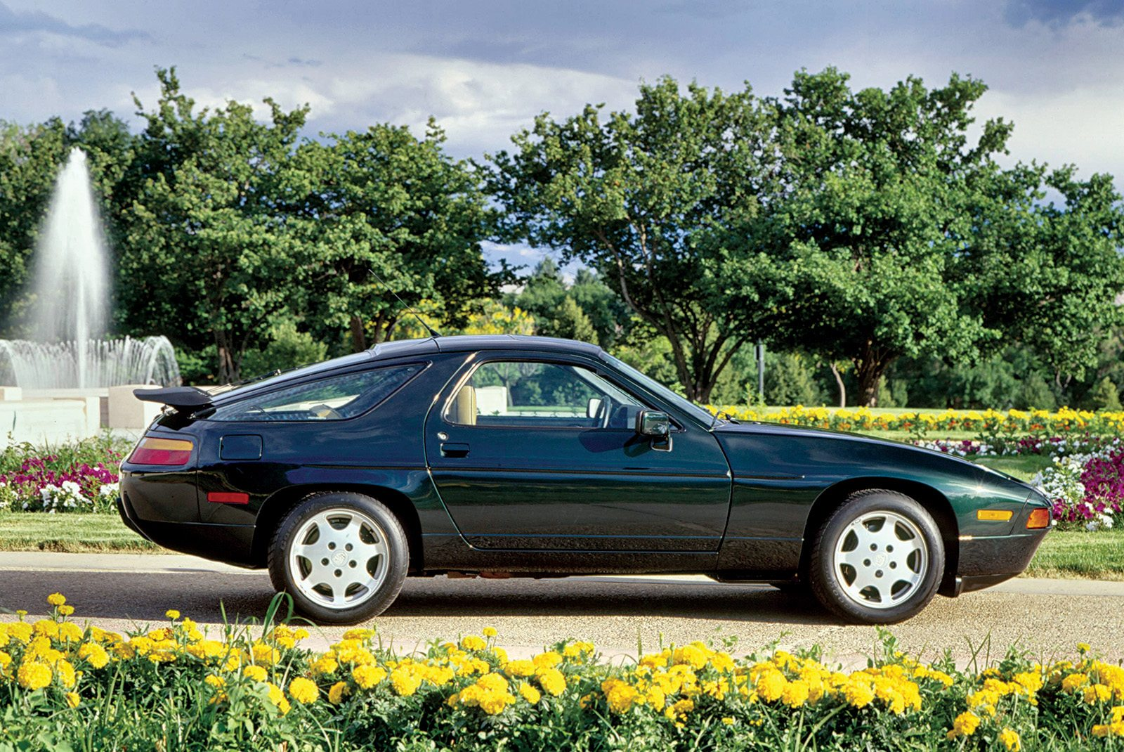 1989 Porsche 928 Deep Emerald Green