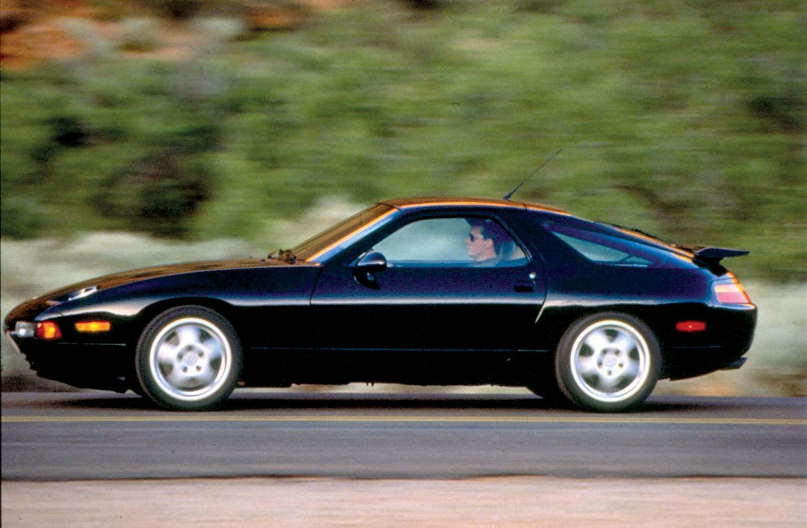 1995 928 GTS at speed