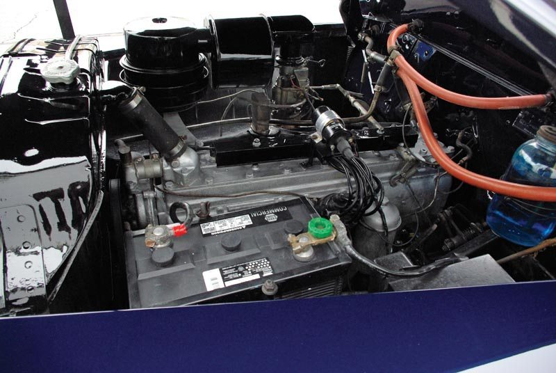 1948 Chrysler Town and Country Engine