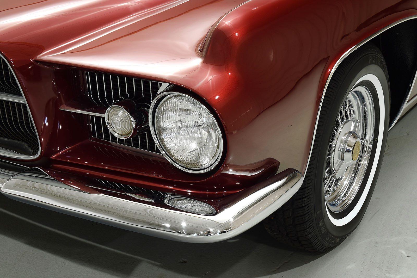 1963 Ghia L6.4 Coupe headlight close up