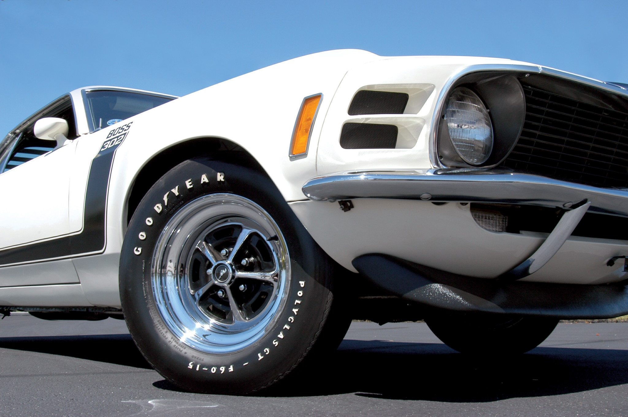 70s Boss 302 Front End Spoiler and Wheel