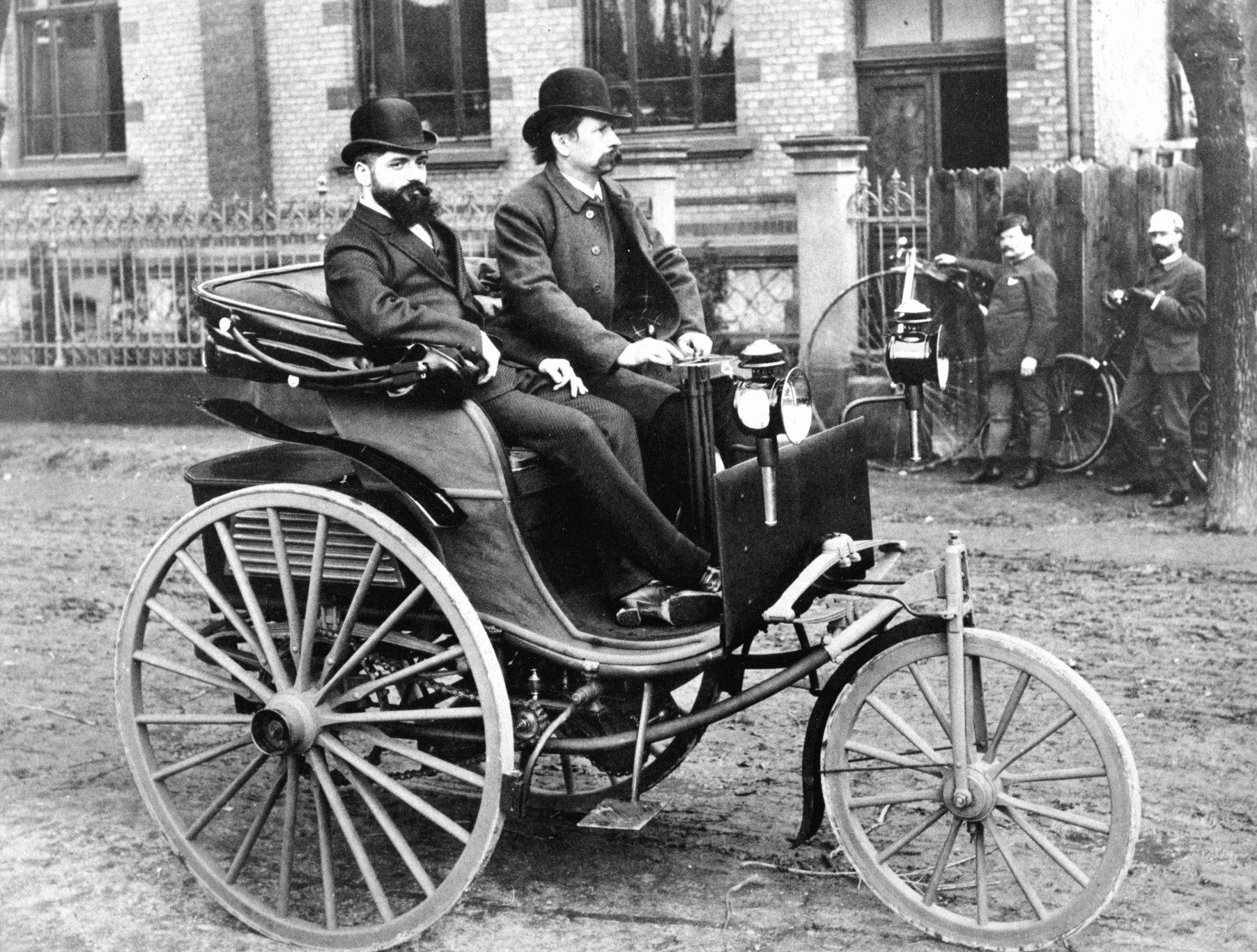 World\'s First Automobile | | Travelsecrets
