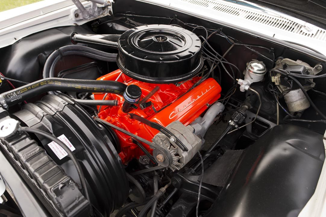 1964 Chevrolet Impala SS Hardtop V8 Engine