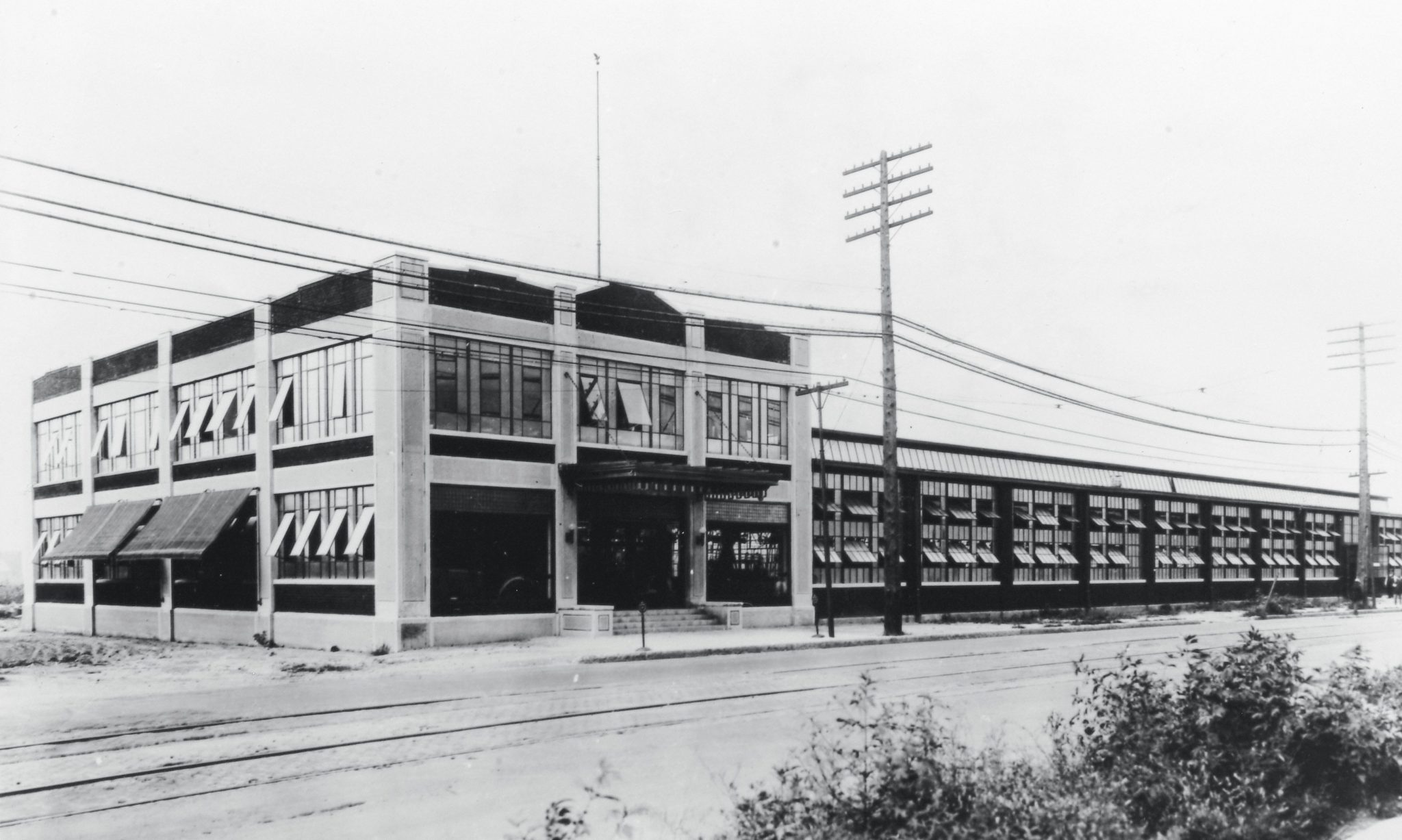 The new Duesenberg Automobiles and Motors Company was incorporated in Delaware in March 1920. Originally located in Newark, New Jersey, the company moved into a new facility in May 1921. The new headquarters were located at 1511 West Washington Street in Indianapolis, Indiana. The original structure had a one-story, 90 x 500 foot factory and a two-story complex for executive offices, administration, and engineering departments.