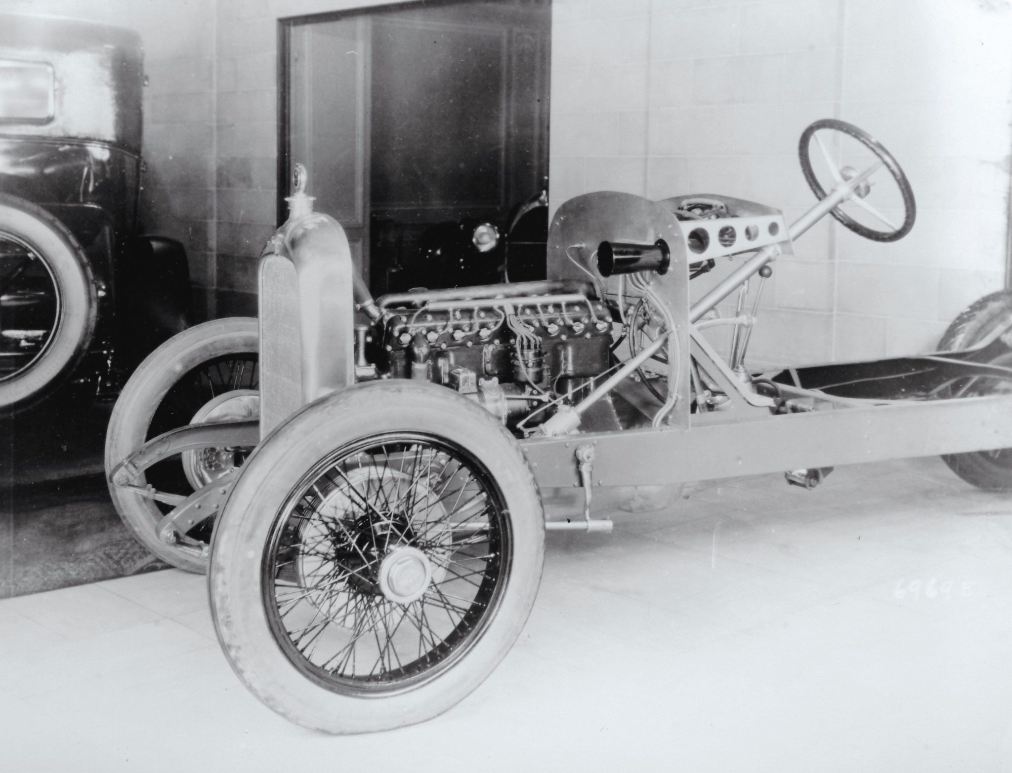 Duesenberg straight eight in chassis
