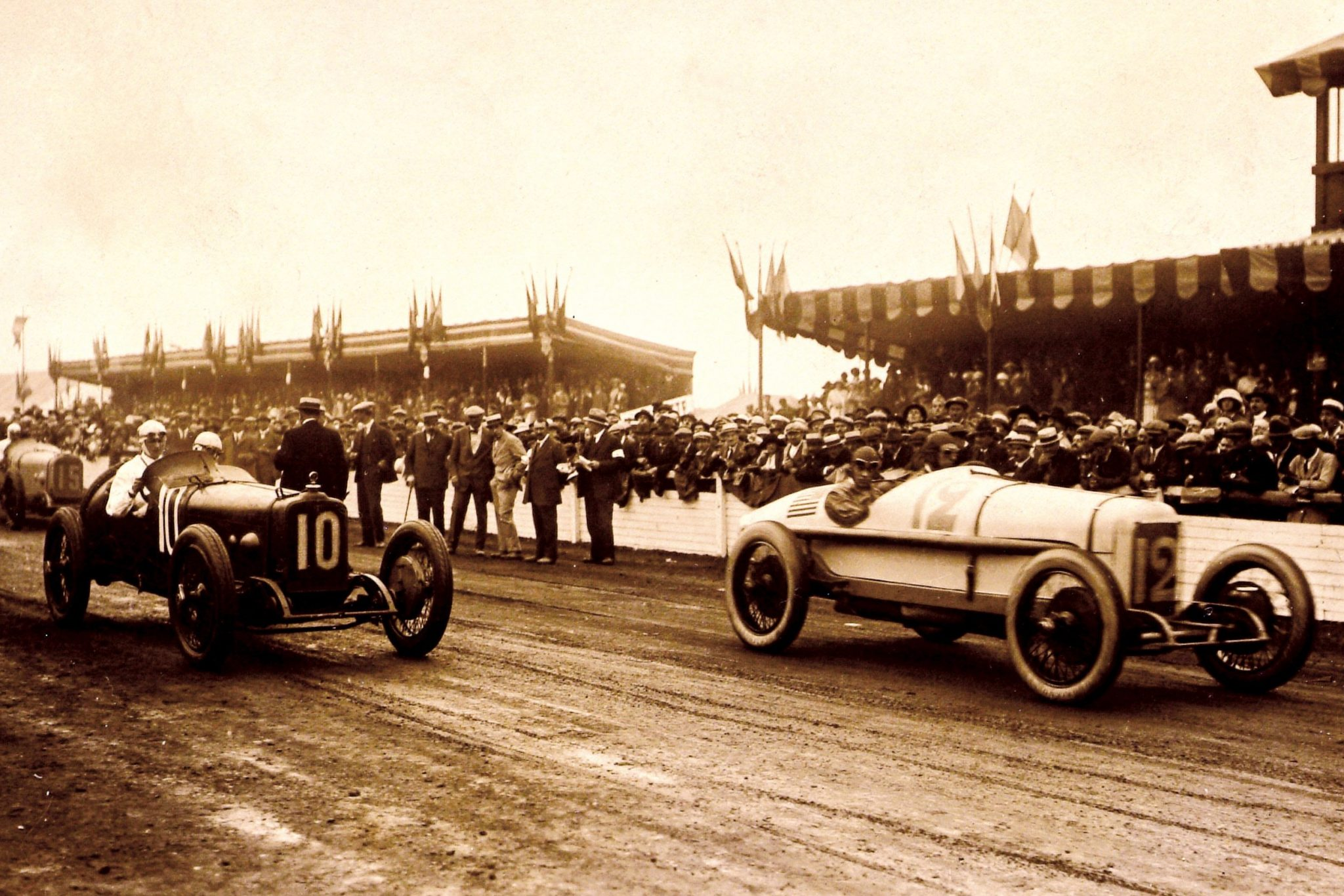 In 1921 Fred and Augie set their sights even higher and sent a team of cars to Le Mans to race in the French Grand Prix. In an epic race that saw Duesenberg and driver Jimmy Murphy triumph, the battle was between Murphy and Ballot, with the renowned French race car driven by none other than Ralph DePalma.