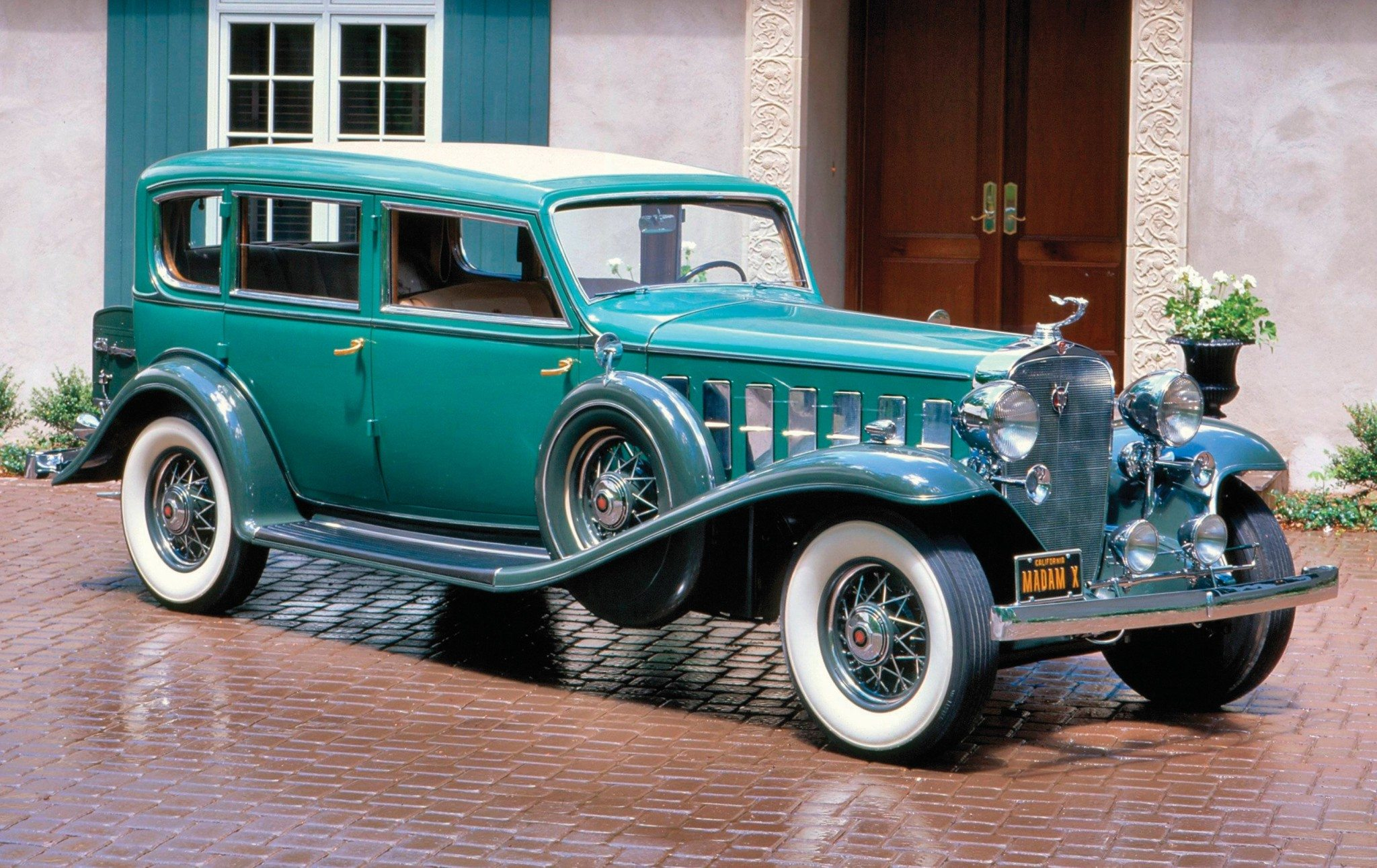 Green-Cadillac-One-off-Madam-X-sedan
