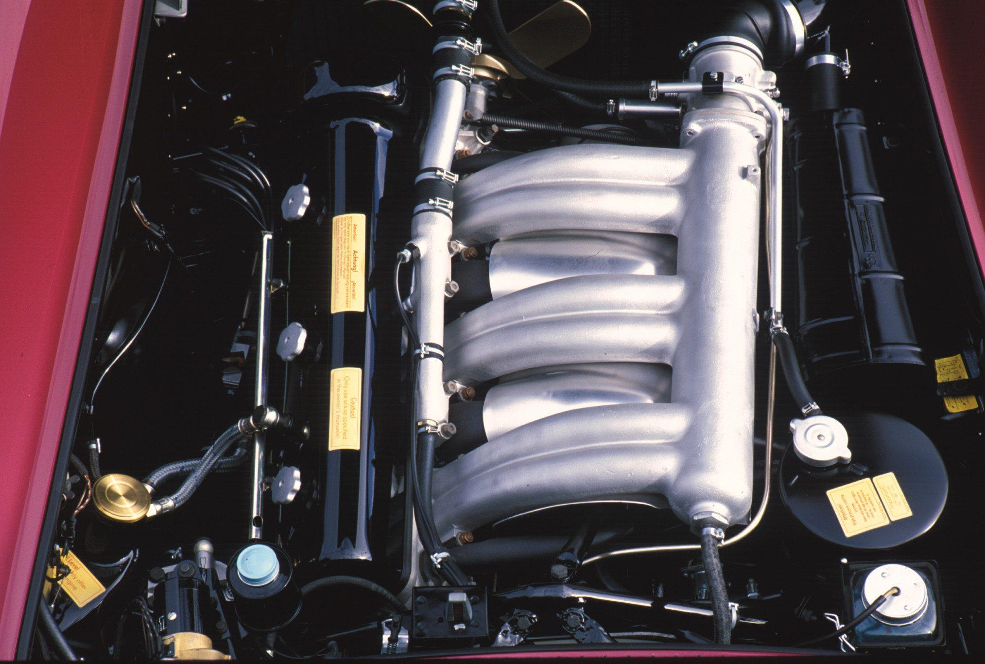 Mercedes 300SL 3.0l straight six-cylinder engine