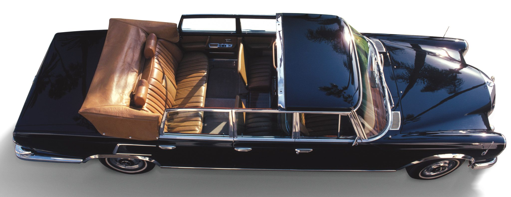 Mercedes-Benz 600 Pullman Landaulet top down