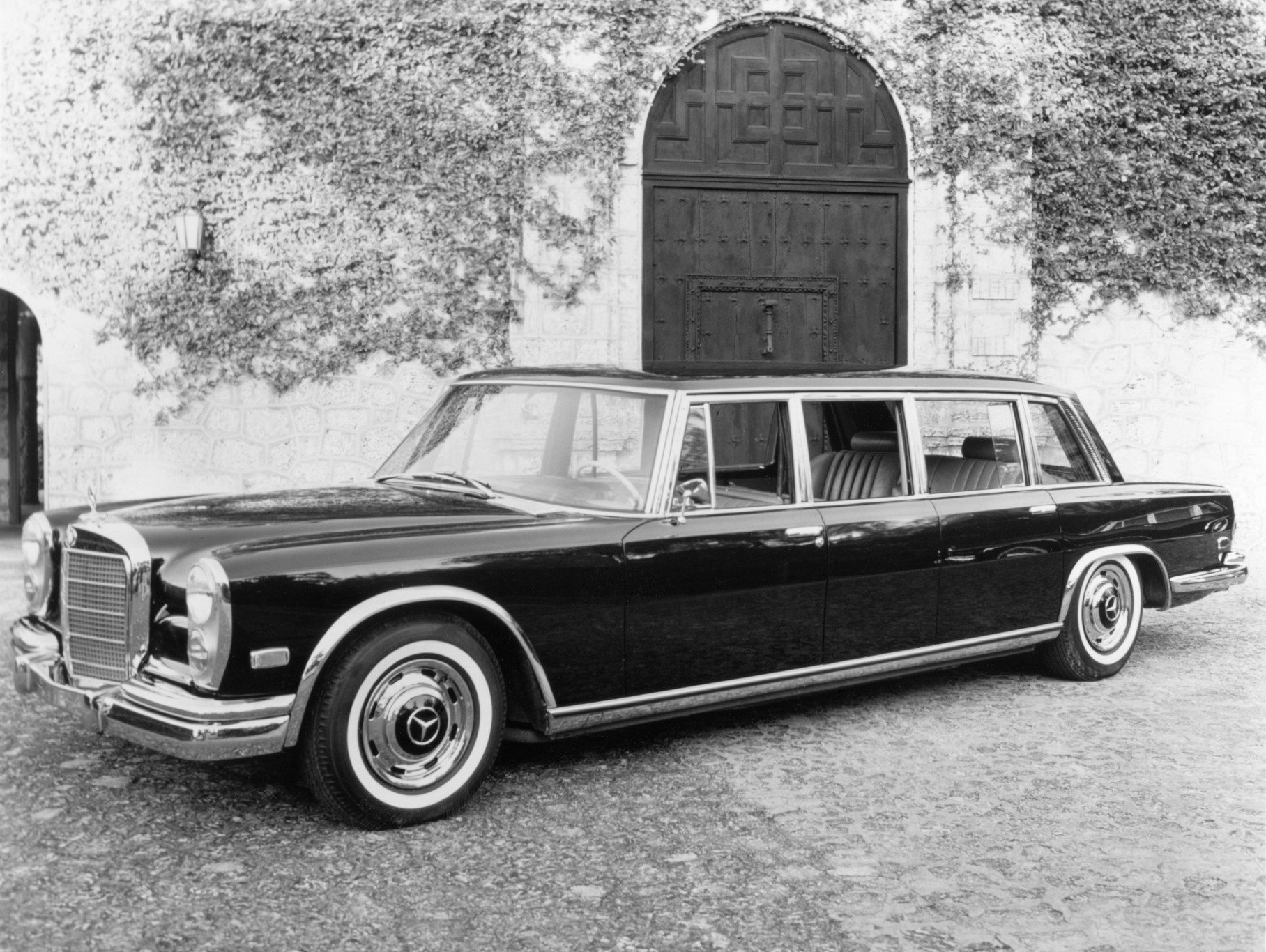Mercedes-Benz 600 four-door Pullman