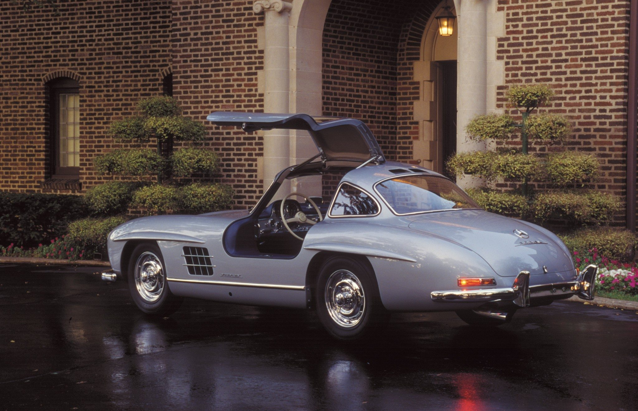 Mercedes Benz Gullwing Side View