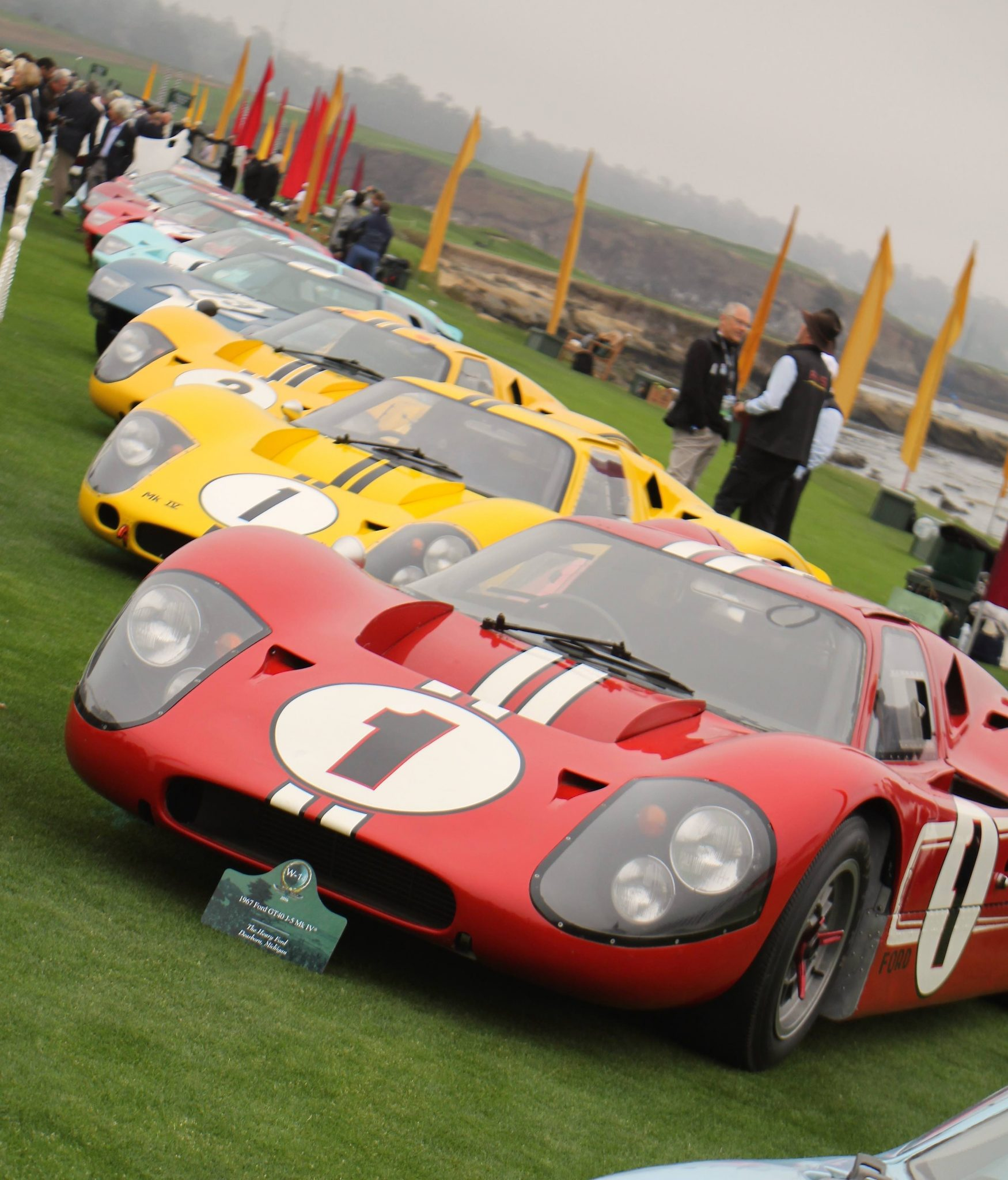 Monterey 2016 7 - Pebble Beach GT40 Lined up