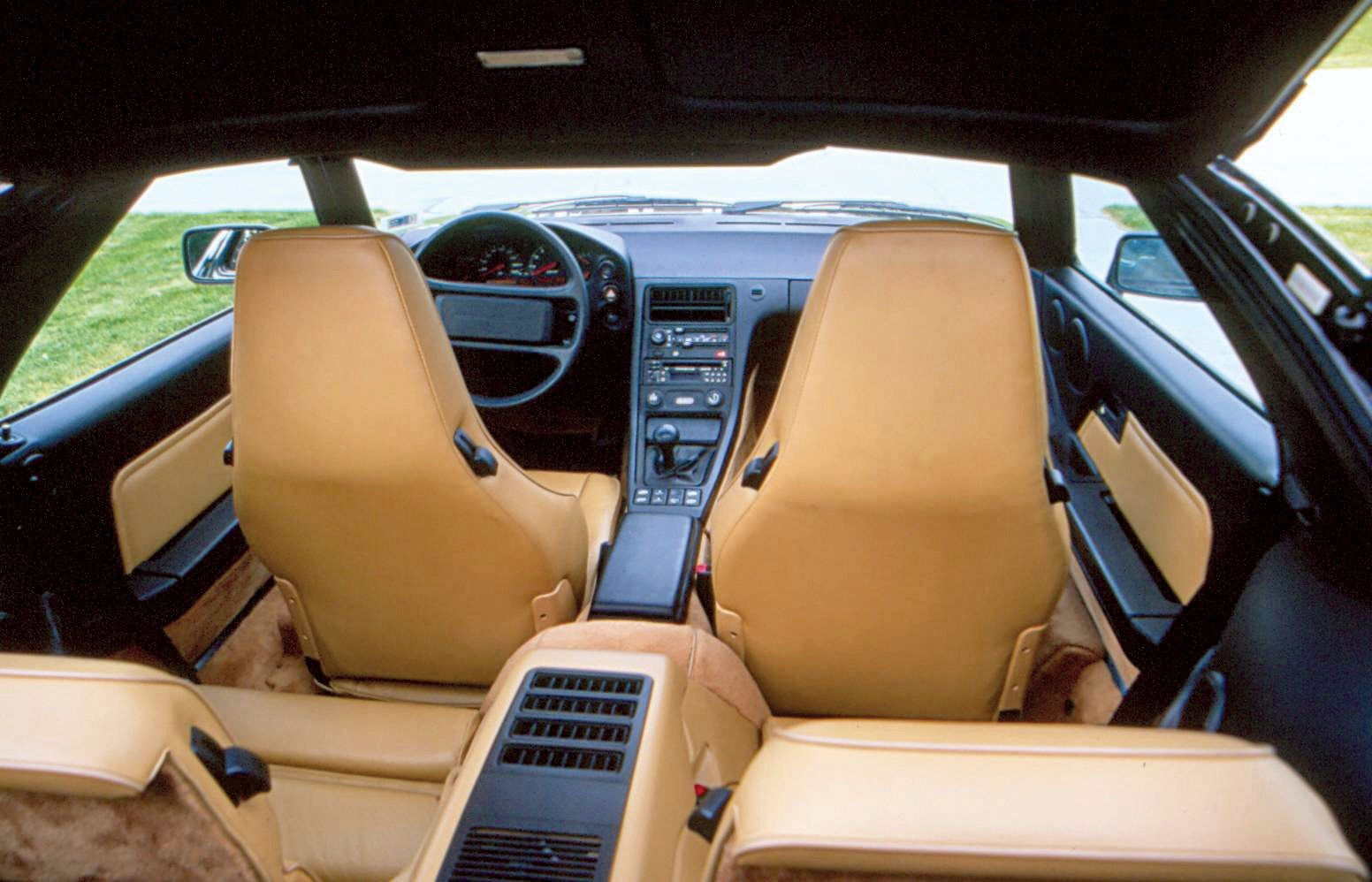 orsche 928 Interior and Rear Seats