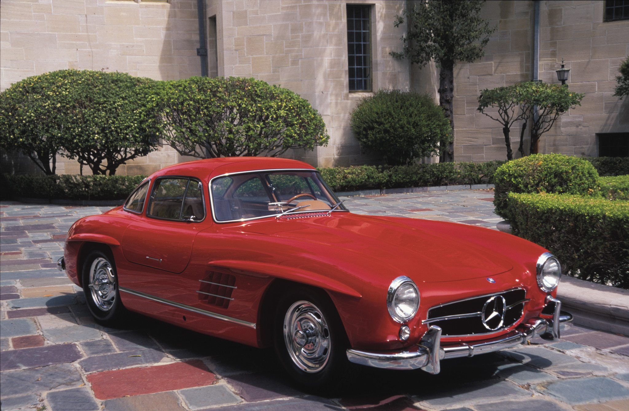 Red Mercedes Benz 300sl Gullwing