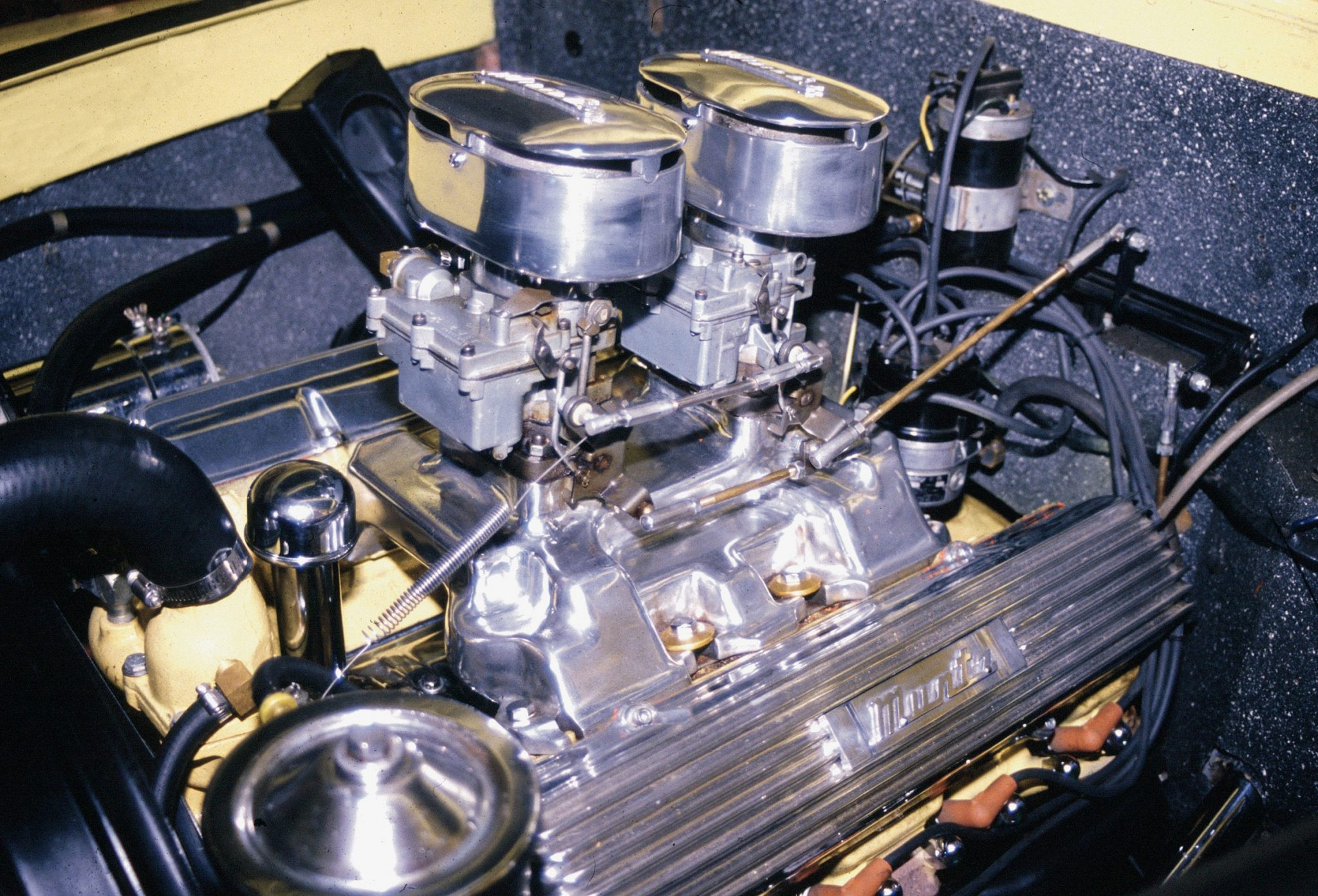 muntz jet v8 engine